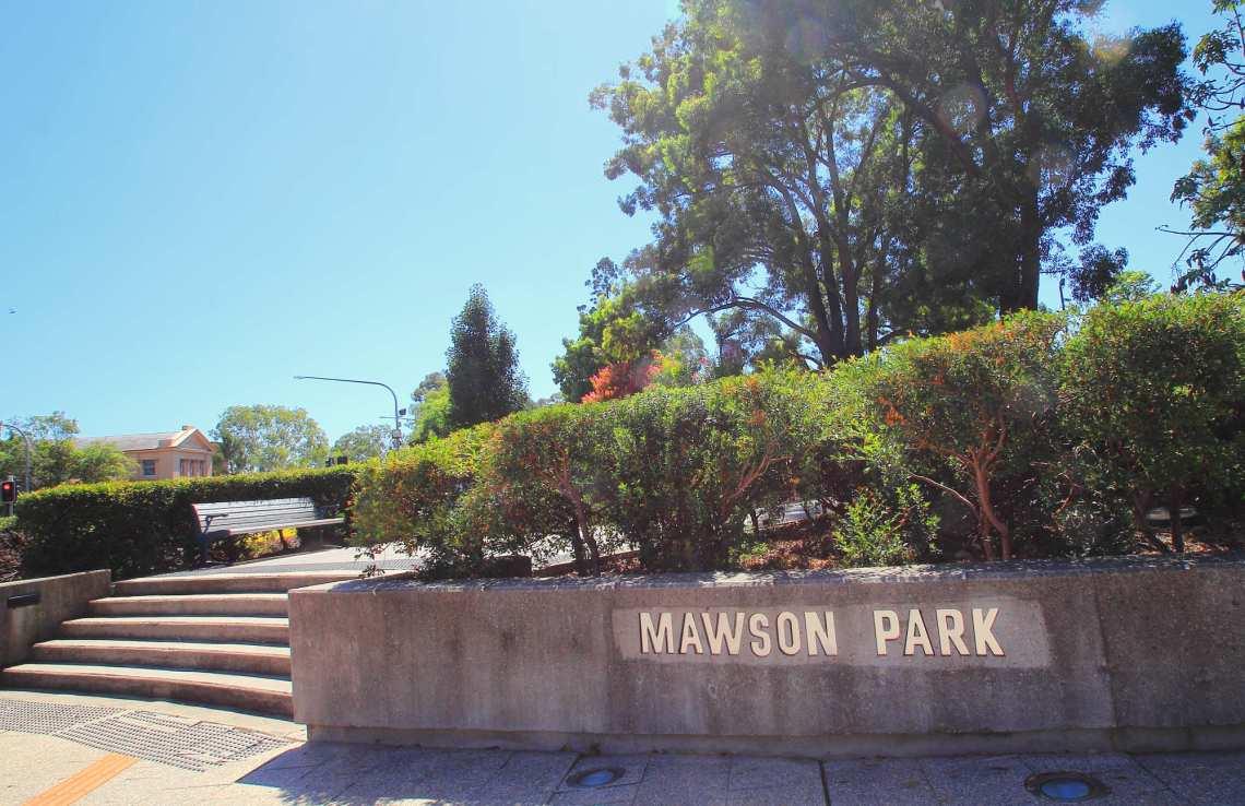 2017-02-23 Mawson Park Cordeaux Street Entrance